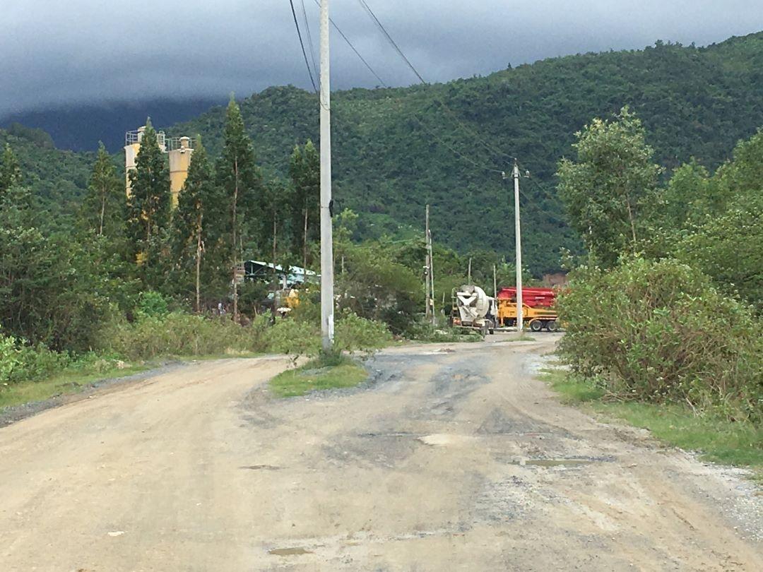 Ninh Hòa (Khánh Hòa): Trạm trộn bê tông không phép ngang nhiên hoạt động trước mắt chính quyền