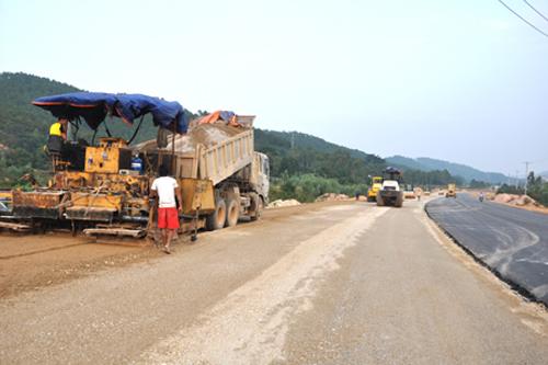 Quảng Ninh: Cải tạo, nâng cấp QL18A đoạn Uông Bí - Hạ Long