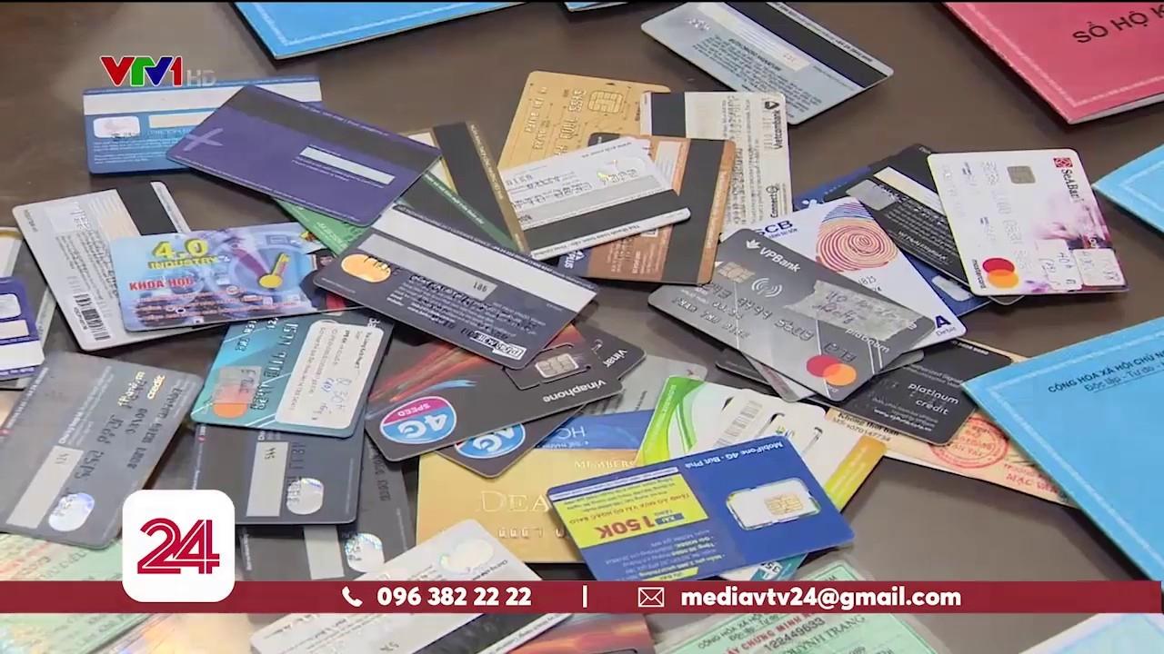 Bắt đối tượng dùng thẻ tín dụng giả chiếm đoạt hơn 900 triệu đồng của ngân hàng