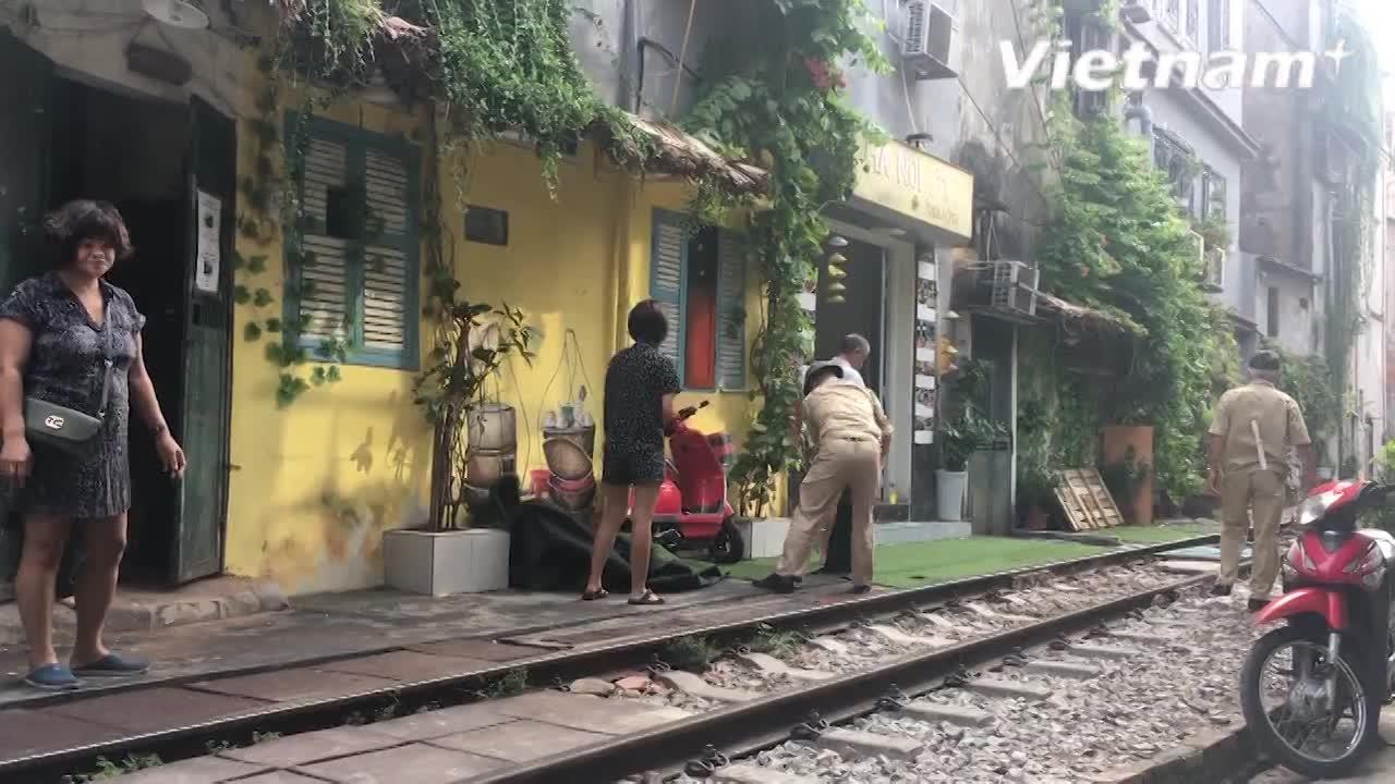 Càphê đường tàu ở Hà Nội chính thức bị 'khai tử'