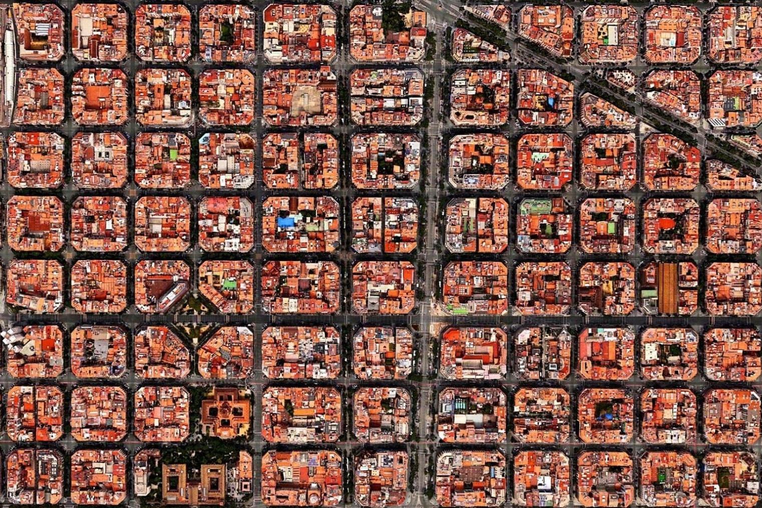 Những khu nhà xếp thẳng như bàn cờ ở Barcelona