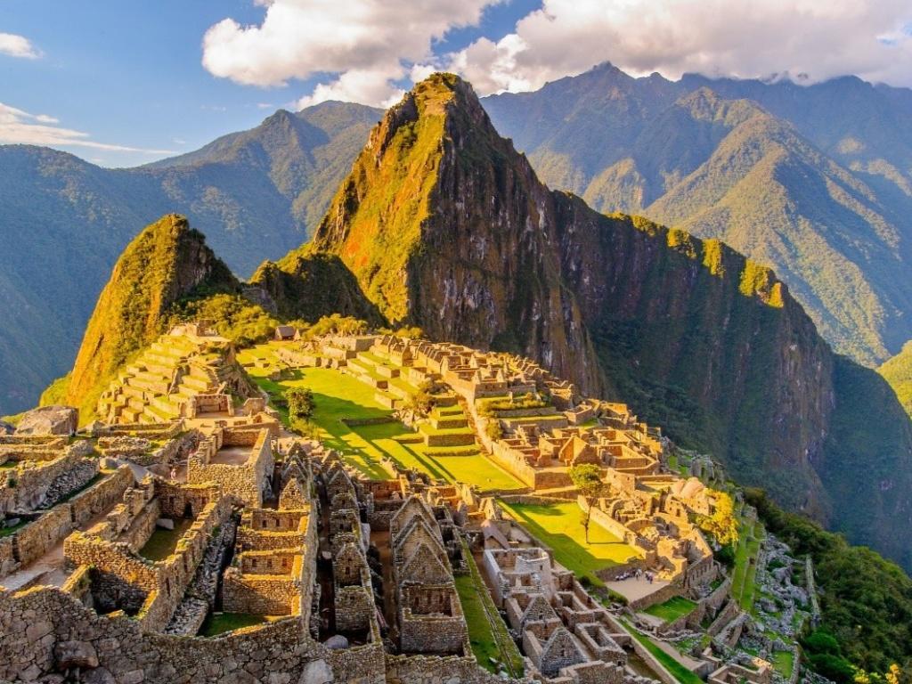Thành phố đã mất của người Inca xây trên đỉnh thung lũng 2.430 m