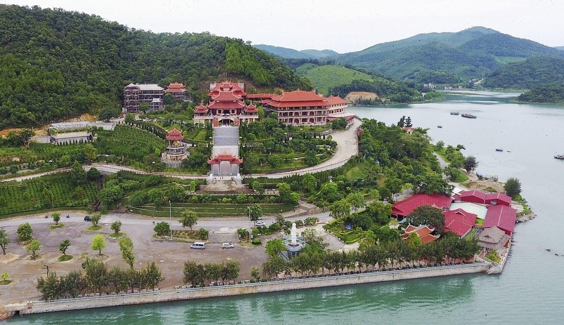 Du lịch tâm linh Quảng Ninh có gì?