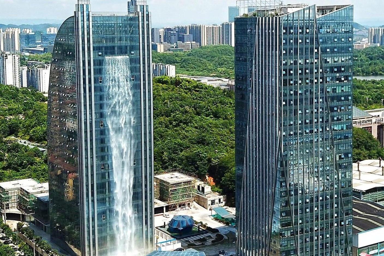 Thác nước nhân tạo trên tòa nhà cao 107 m