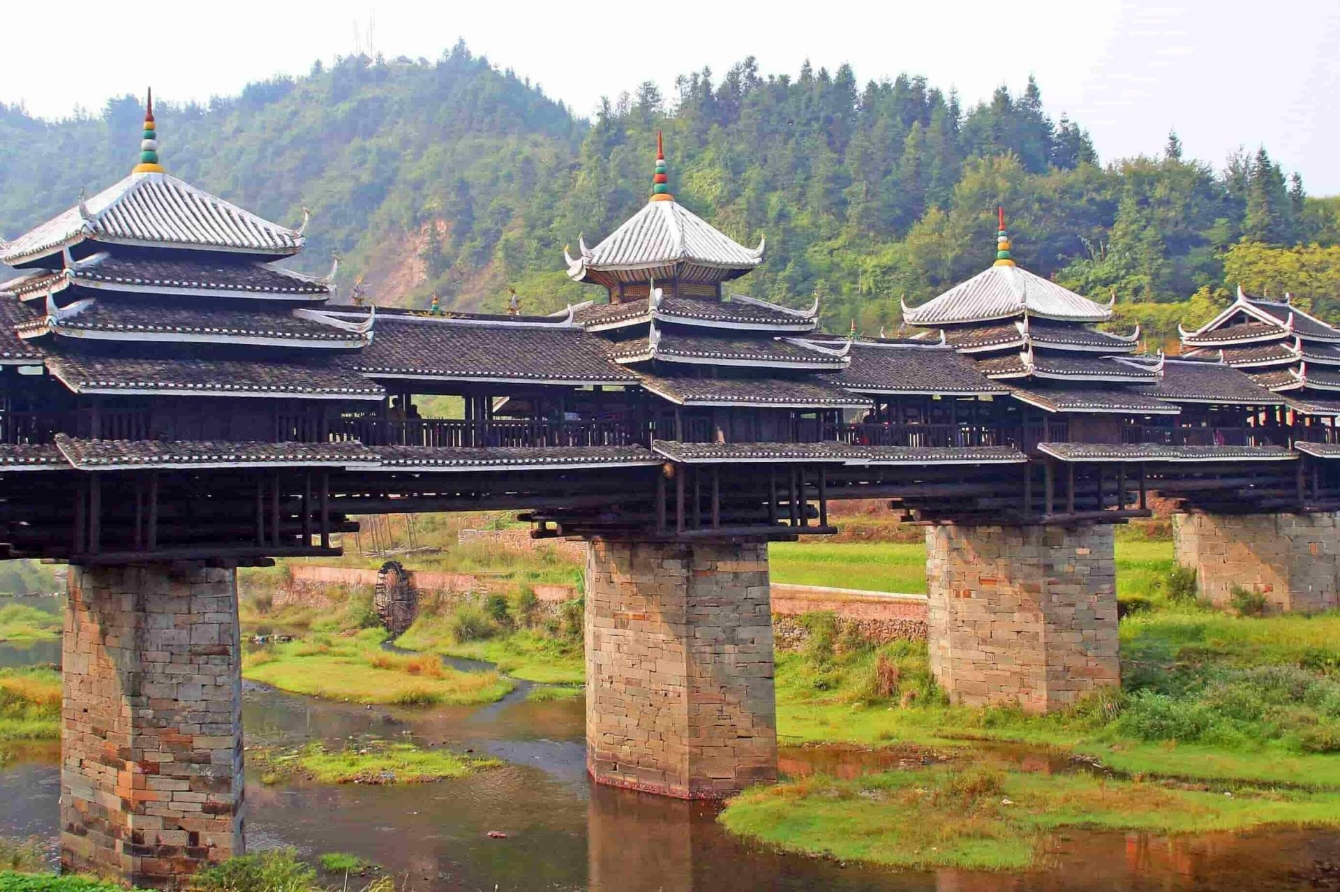 Cây cầu kiến trúc Phong Vũ lớn nhất ở Trung Quốc