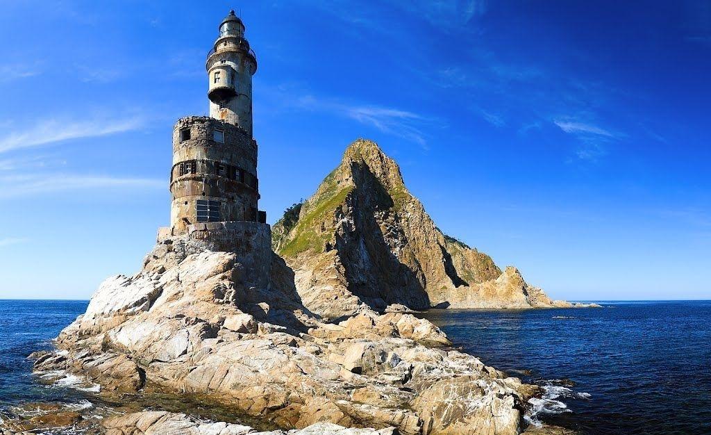 Ngọn hải đăng tuyệt đẹp bỏ hoang thành nơi trú của mòng biển