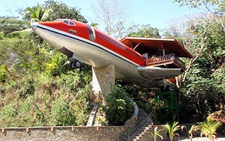Khách sạn đẳng cấp bên trong máy bay Boeing 727
