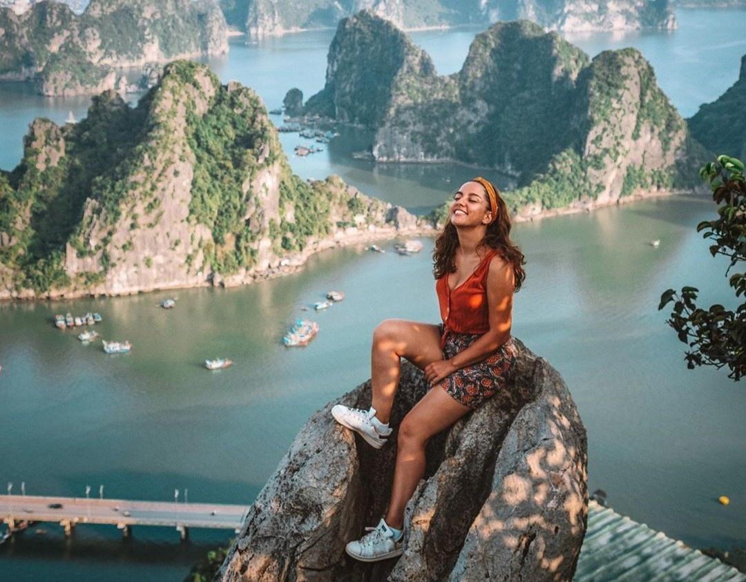 Vẻ đẹp khiến Hạ Long xứng danh điểm du lịch hàng đầu miền Bắc