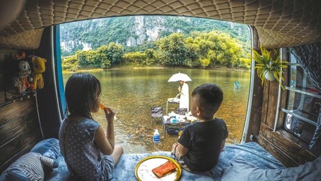 Vợ chồng Hà Nội chi 280 triệu làm nhà di động, đưa con đi 'chu du thiên hạ'
