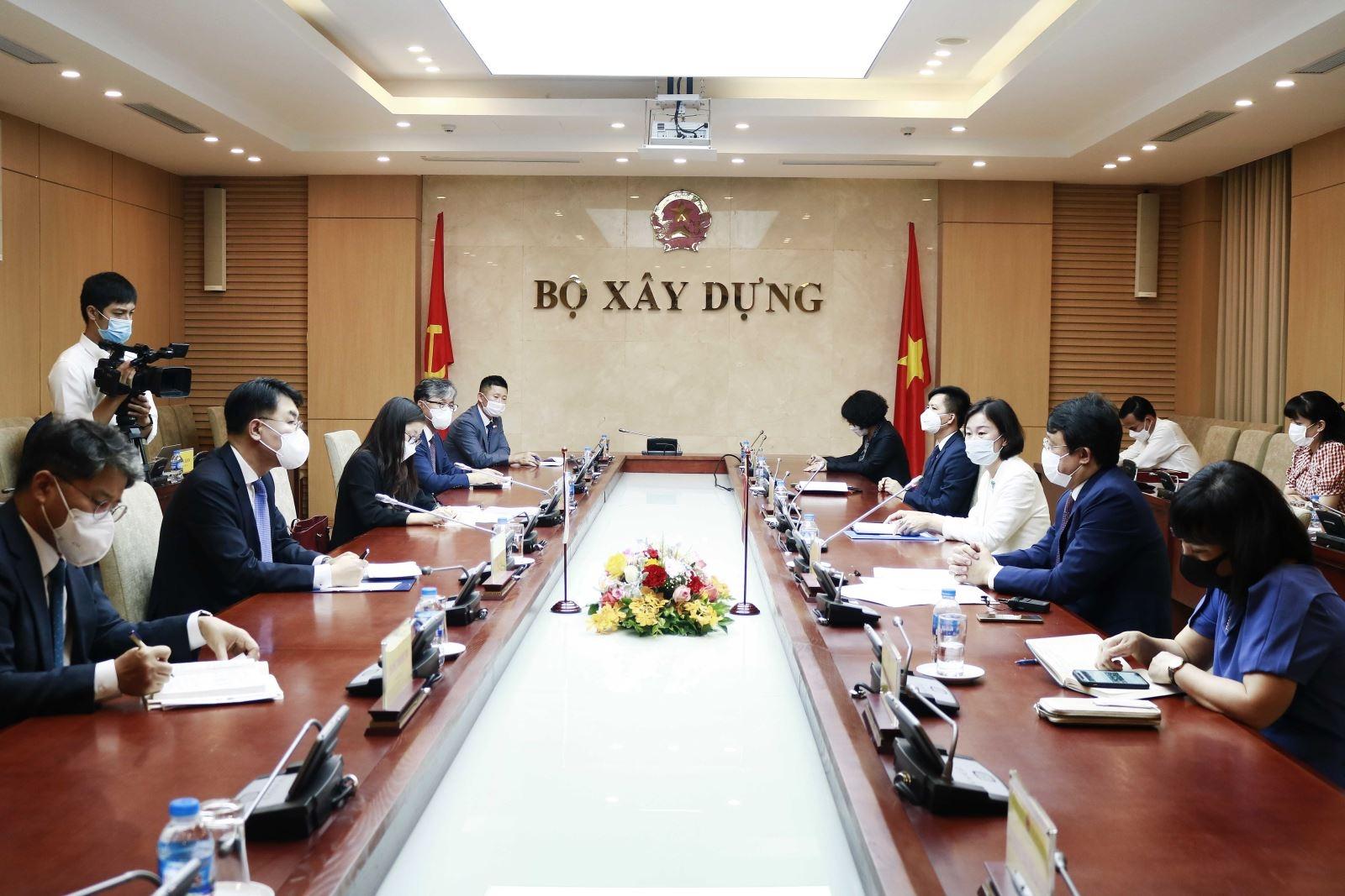 Bộ Xây dựng tiếp Thứ trưởng Bộ Đất đai, Hạ tầng và Giao thông Vận tải Hàn Quốc