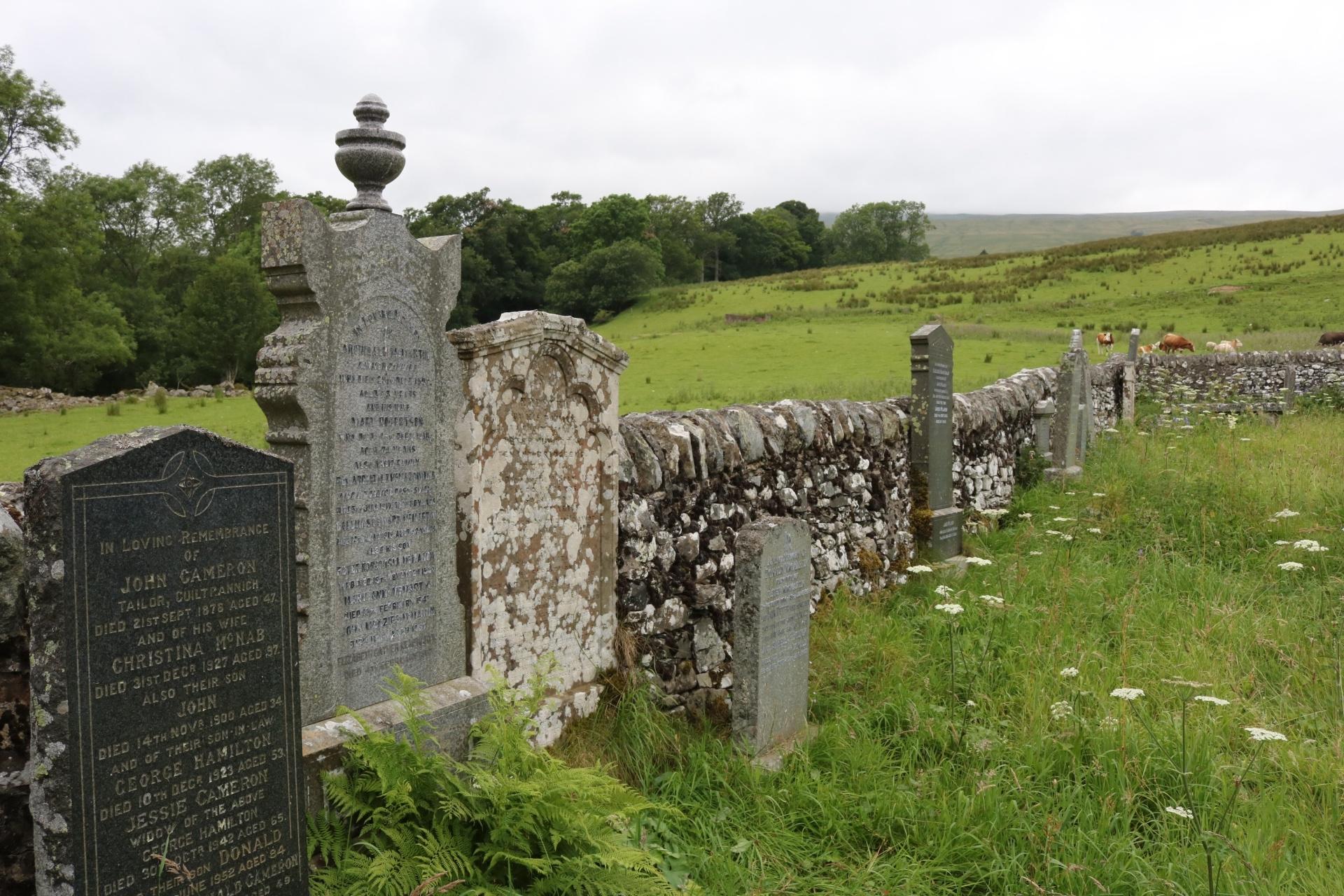 Ngôi làng bị nguyền rủa ở Scotland được rao bán giá 4 tỷ đồng