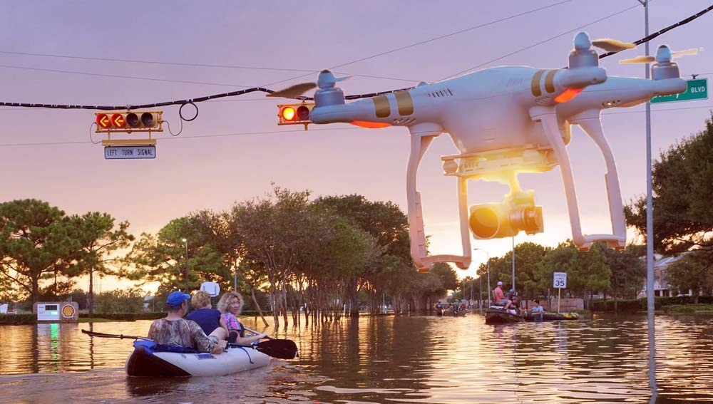 Máy bay không người lái cứu người khỏi lũ lụt như thế nào?