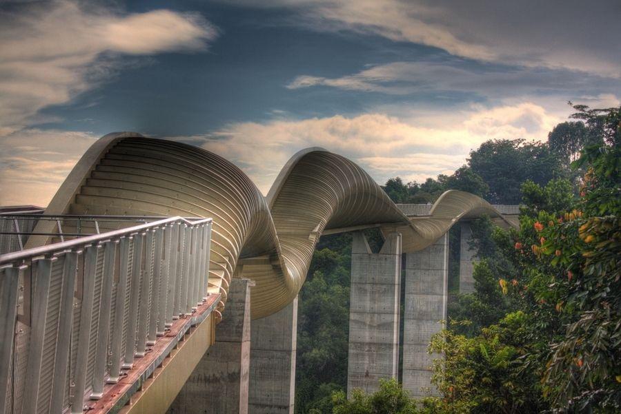 Cây cầu hình sóng lượn ở Singapore