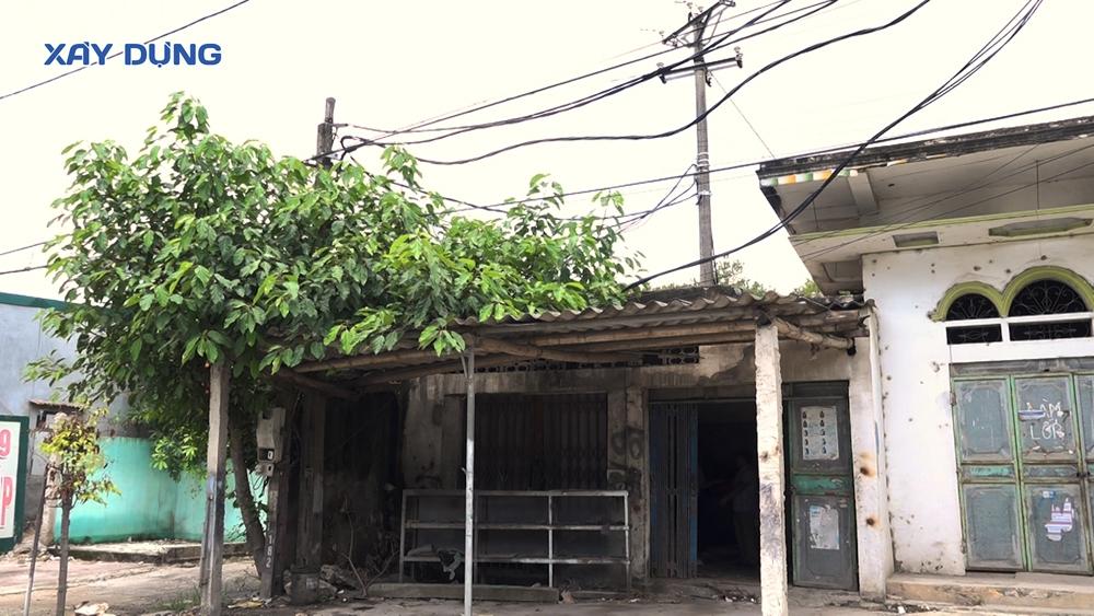 Nghệ An: Cột điện xây dựng trong đất ở của dân