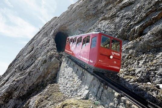 4 tuyến đường sắt nguy hiểm bậc nhất thế giới