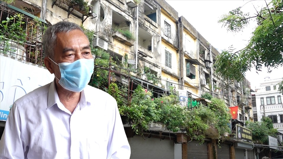 Chung cư nguy hiểm ở Hà Nội được cải tạo: Người dân vừa mừng vừa lo