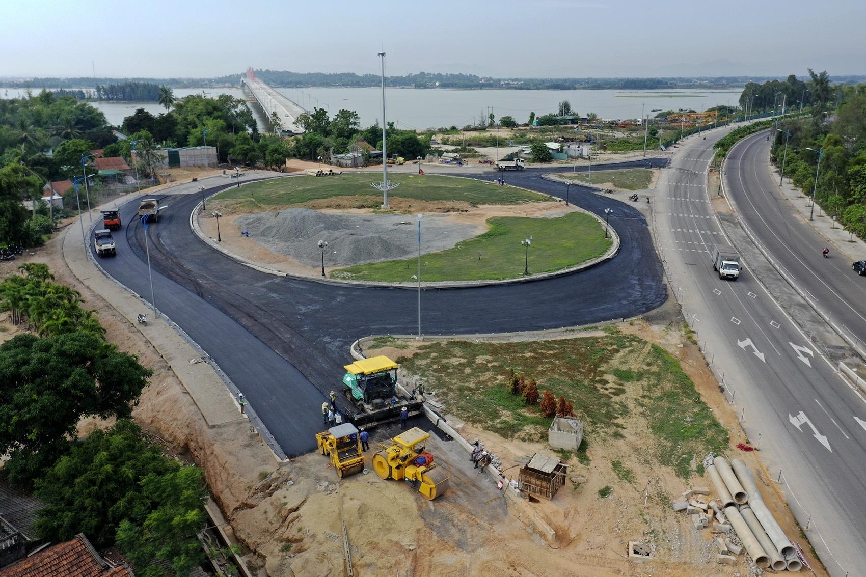 Cây cầu 2.200 tỷ chưa thể khánh thành sau 3 năm thi công