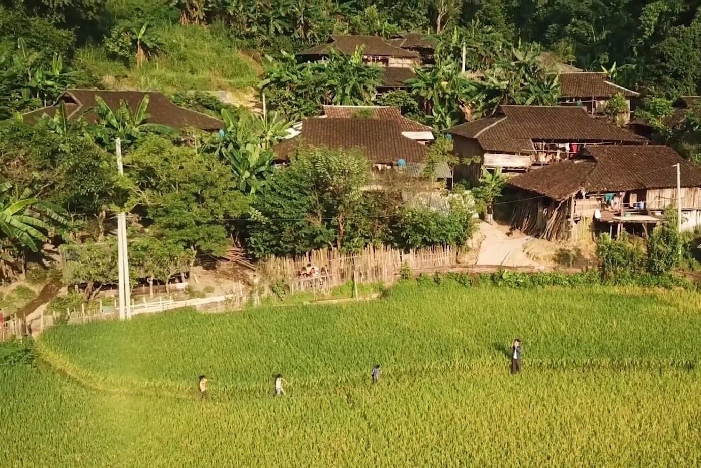 Ngôi làng yên bình trên núi cao ở vùng Đông Bắc