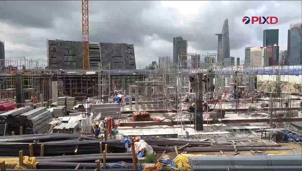 Thành phố Hồ Chí Minh: Nan giải việc kéo công nhân trở lại công trường
