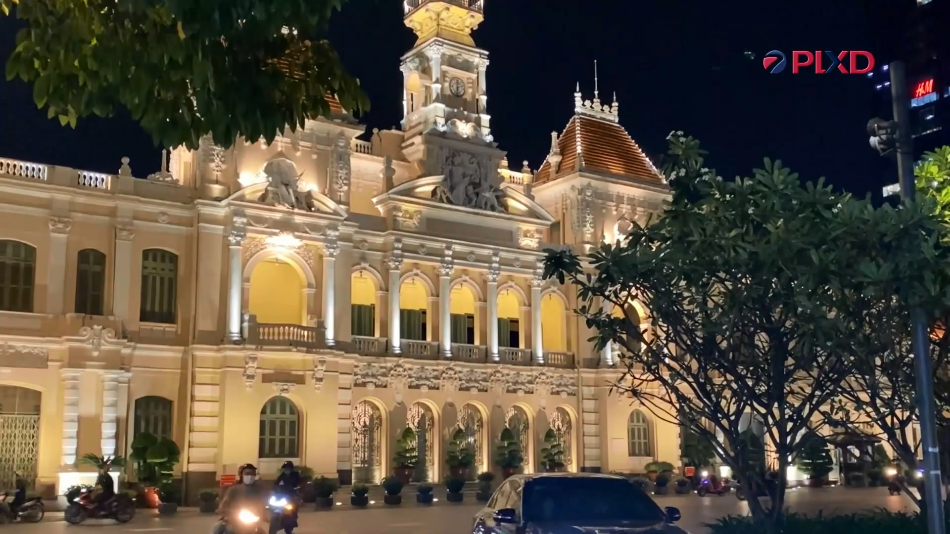 Thành phố Hồ Chí Minh: Rạo rực bình thường mới