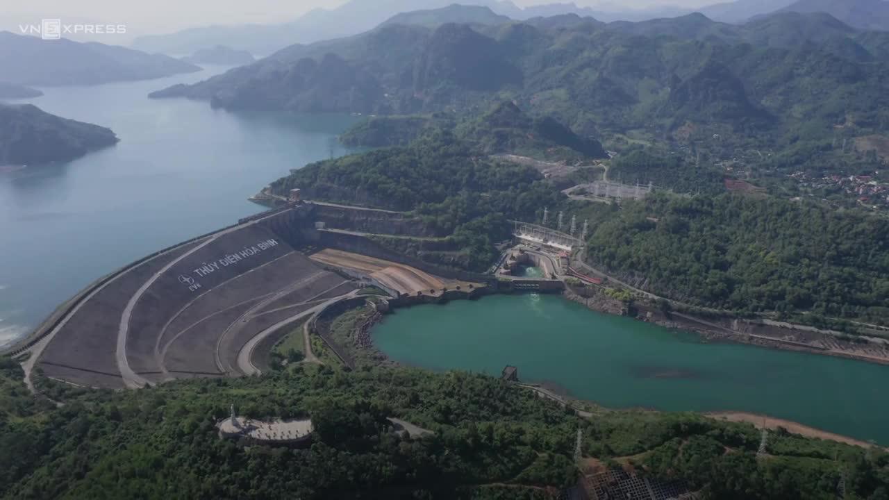 Những điều đặc biệt khi xây dựng Thủy điện Hòa Bình