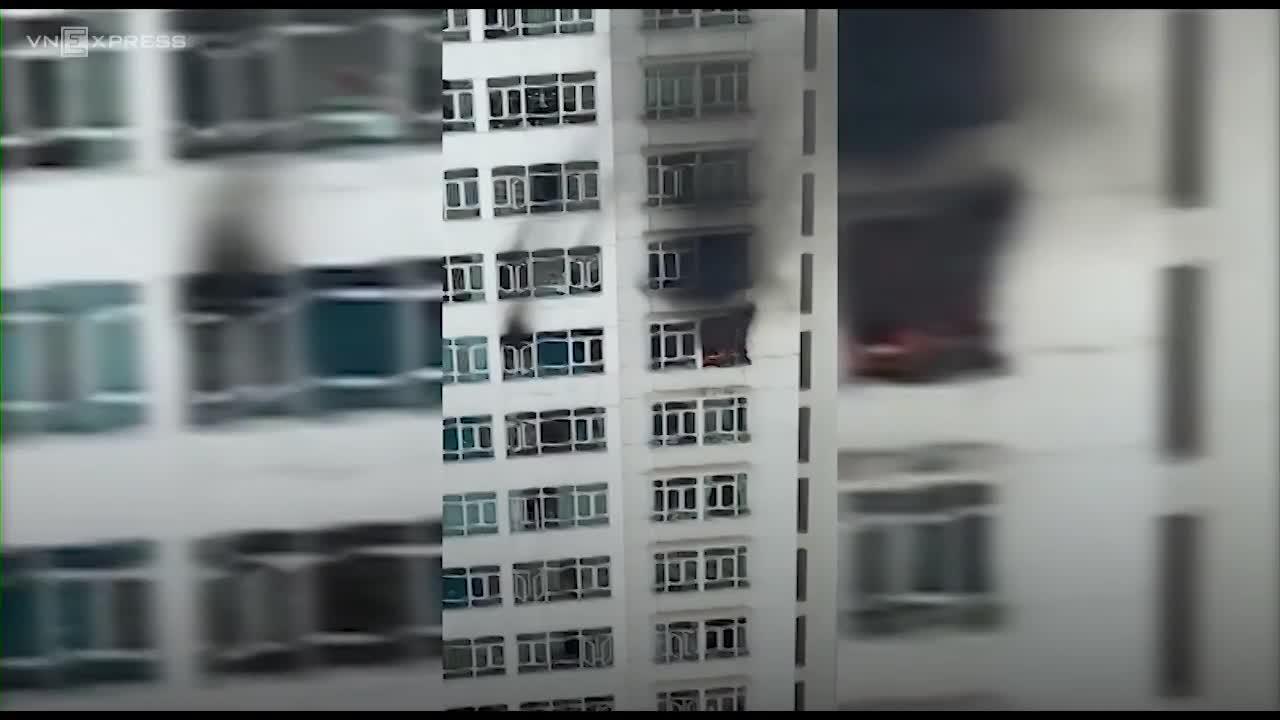 Cháy chung cư cao 26 tầng