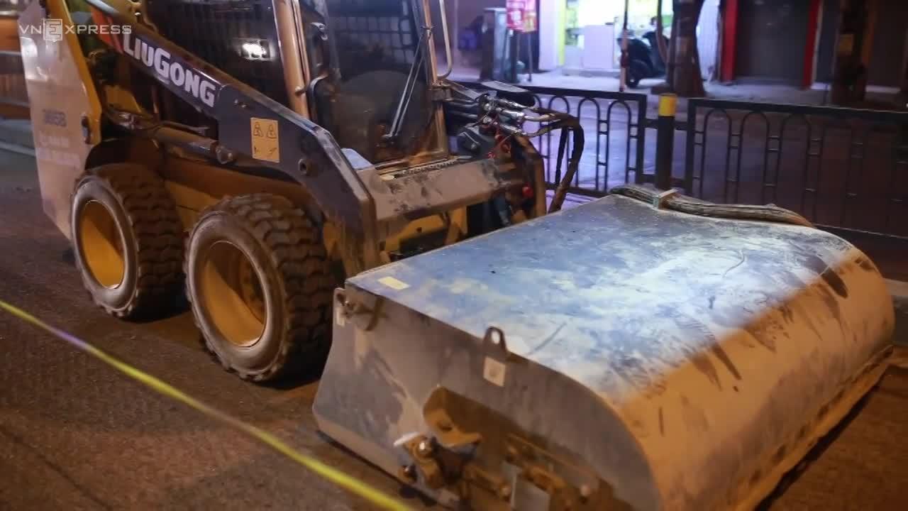 Hà Nội thí điểm máy hút bụi khi sửa chữa đường