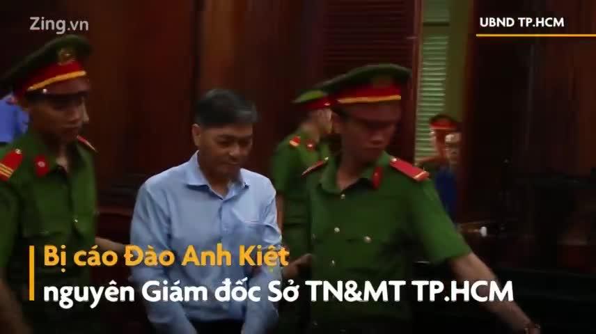 Ông Nguyễn Hữu Tín bạc trắng tóc ngày hầu tòa