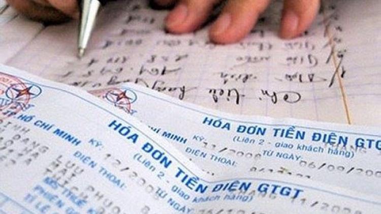 Chiêu trò lách luật, thu tiền điện giá cao của chủ nhà trọ ở Hà Nội