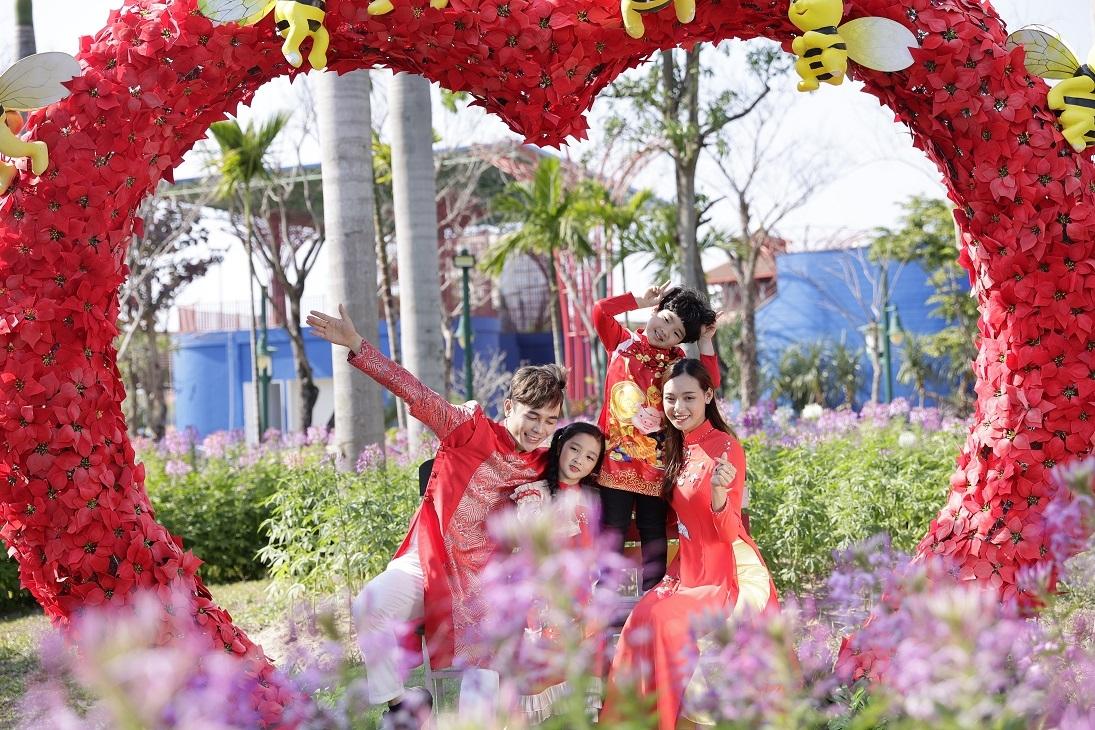 Du xuân vui tưng bừng tại Công viên châu Á - Asia Park ở Đà Nẵng