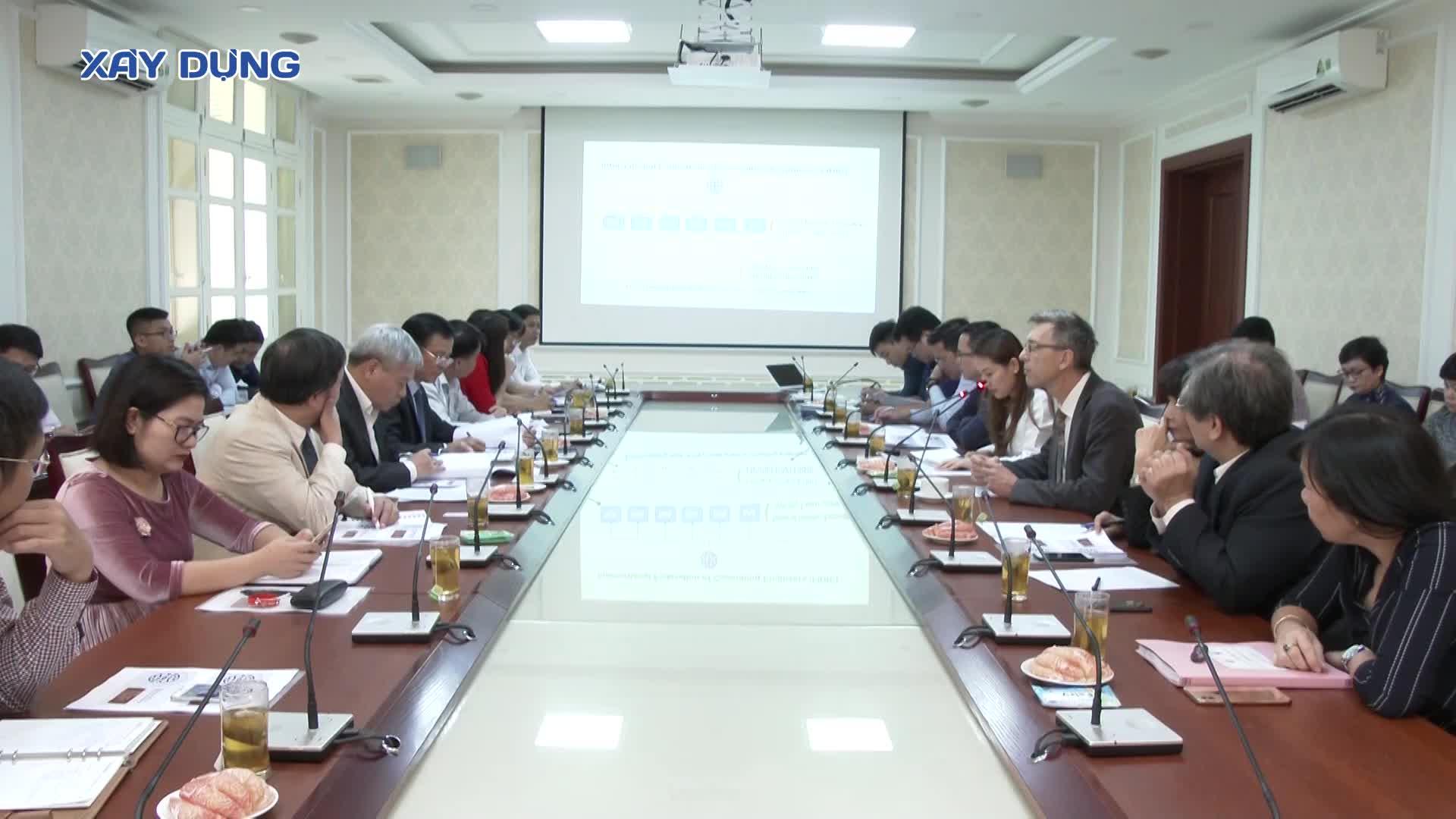 Thứ trưởng Bùi Phạm Khánh họp bàn với Hiệp hội quốc tế các kỹ sư tư vấn