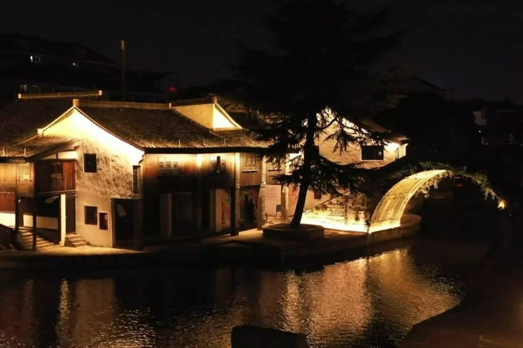 Chiếu sáng nghệ thuật tại phố cổ ở Trung Quốc