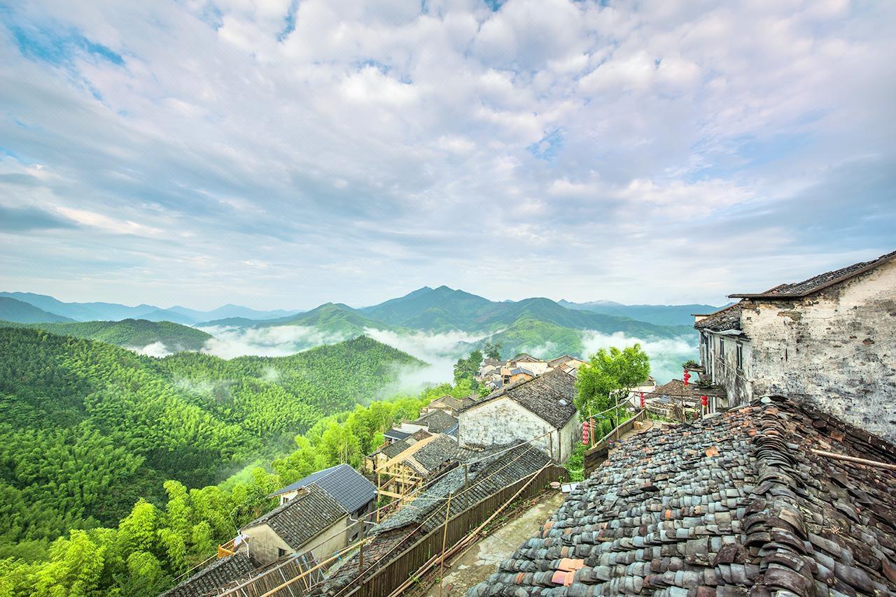 Ngôi làng 300 năm tuổi từng bị bỏ hoang ở Trung Quốc