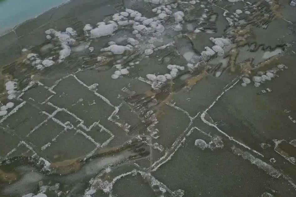 Ngôi làng bị nước nhấn chìm xuất hiện sau 50 năm