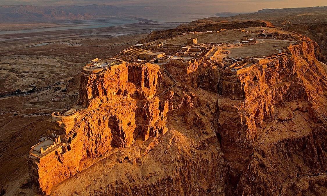 Pháo đài cổ bất khả xâm phạm nằm cạnh Biển Chết