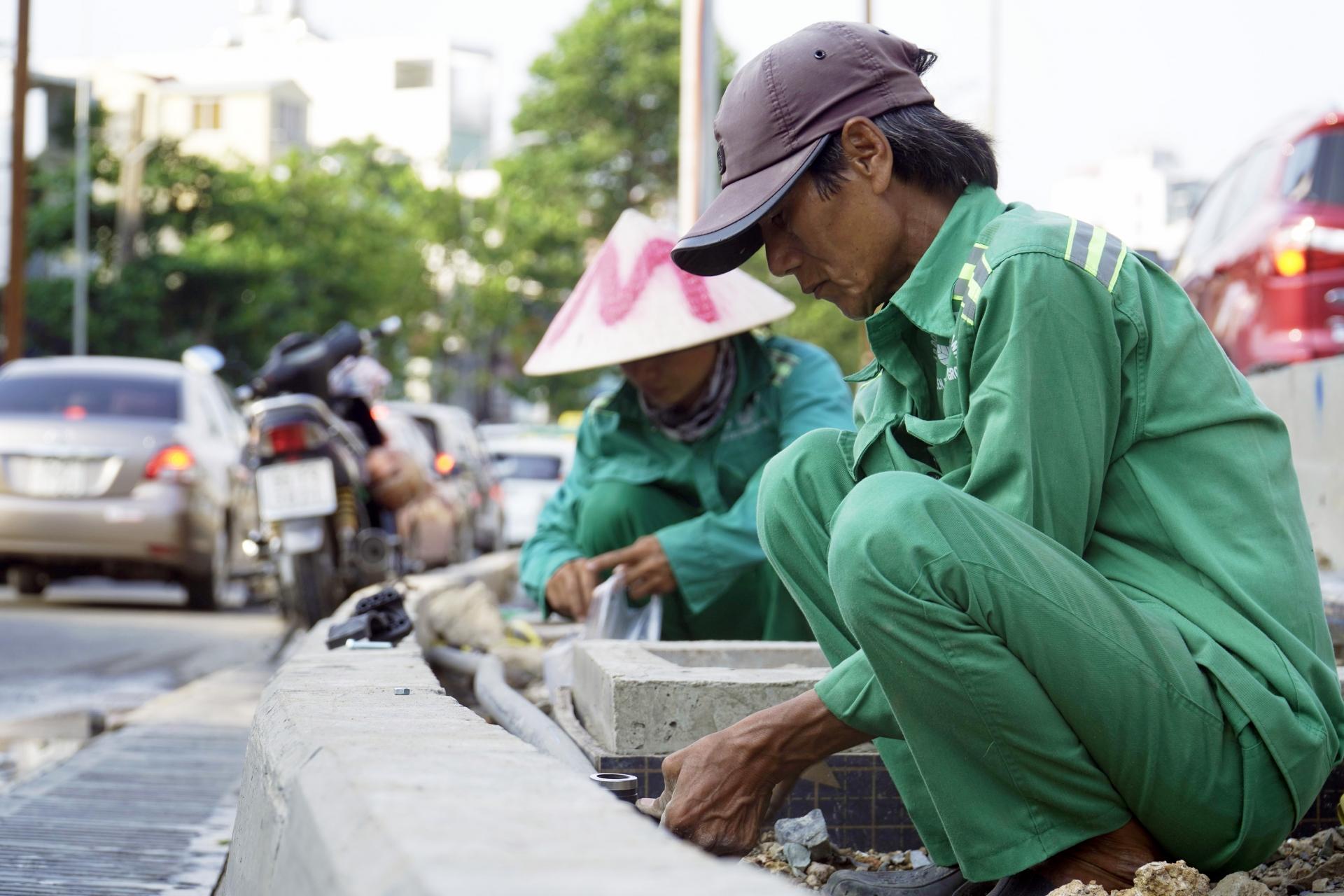 Gấp rút thi công dự án đường Nguyễn Hữu Cảnh