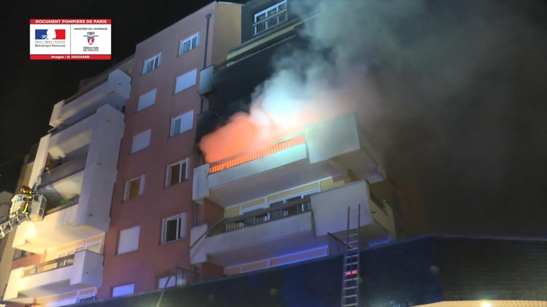 Tòa nhà bốc cháy gây chết người ở Paris