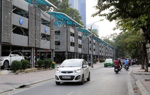 Hà Nội: Loay hoay chuyện cấp phép trông giữ xe