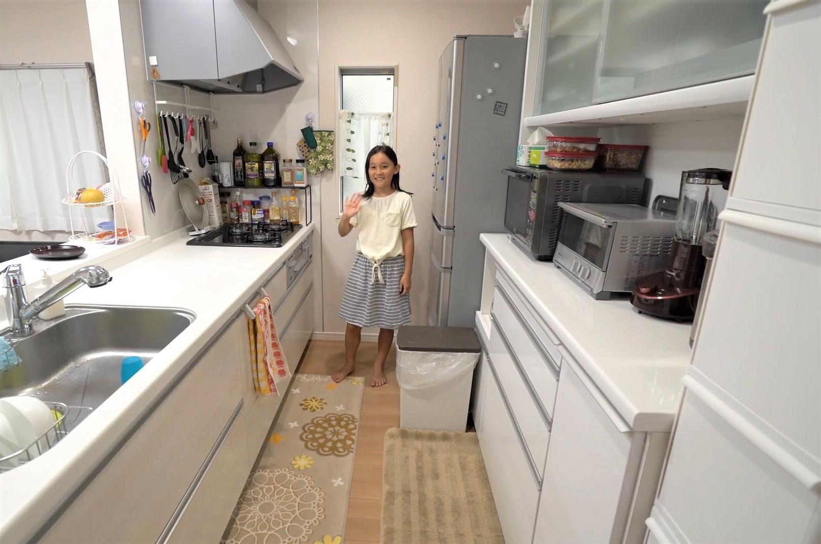 Người Nhật thiết kế căn bếp hiện đại trong không gian hẹp thế nào?
