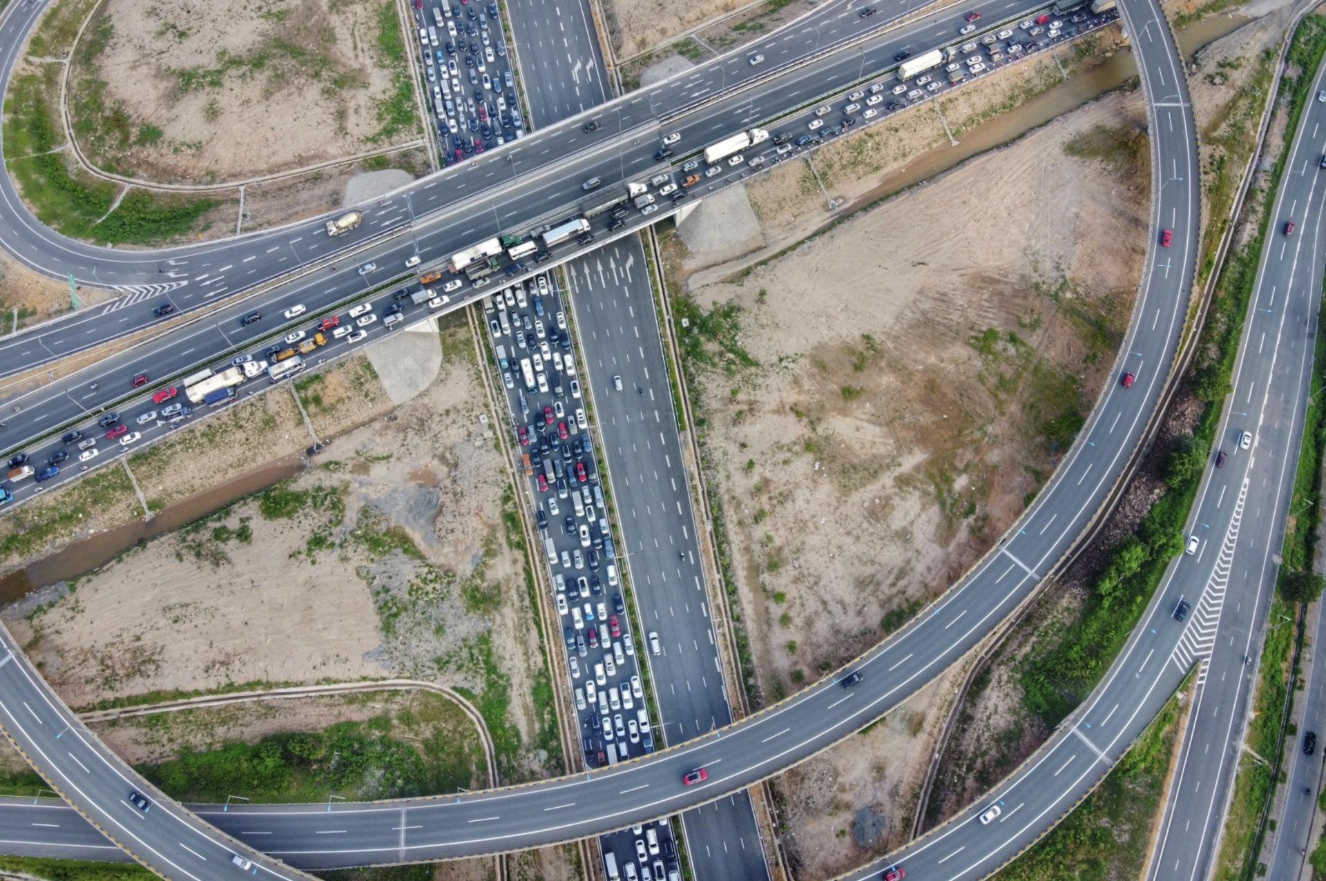 Cửa ngõ phía đông Hà Nội ùn tắc hàng km