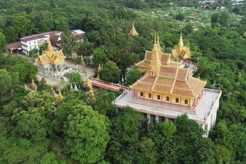 Ngôi chùa trên cao nổi tiếng bậc nhất miền Tây