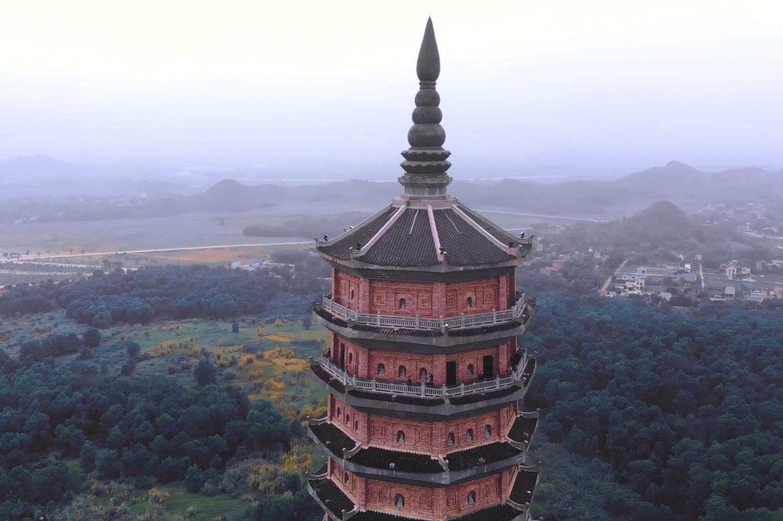 Ngôi chùa ở Ninh Bình giữ nhiều kỷ lục Việt Nam và châu Á
