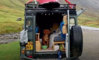 Cải tạo xe thành nhà, du lịch khắp nước Anh