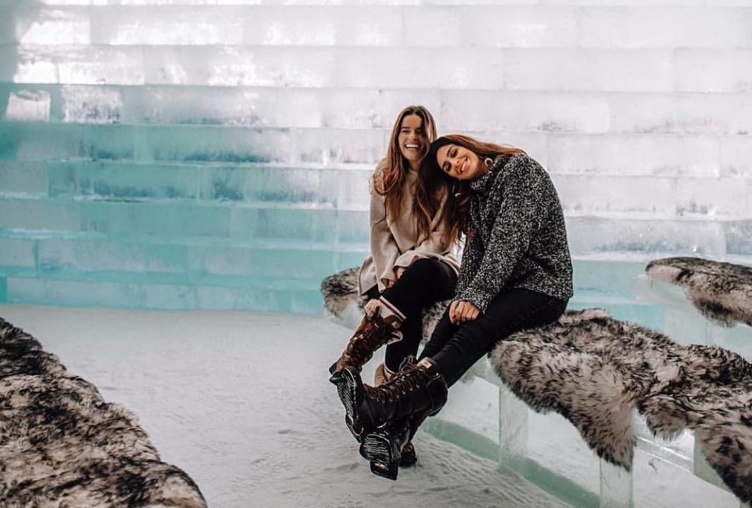Trải nghiệm khách sạn làm hoàn toàn từ băng và đá ở Canada