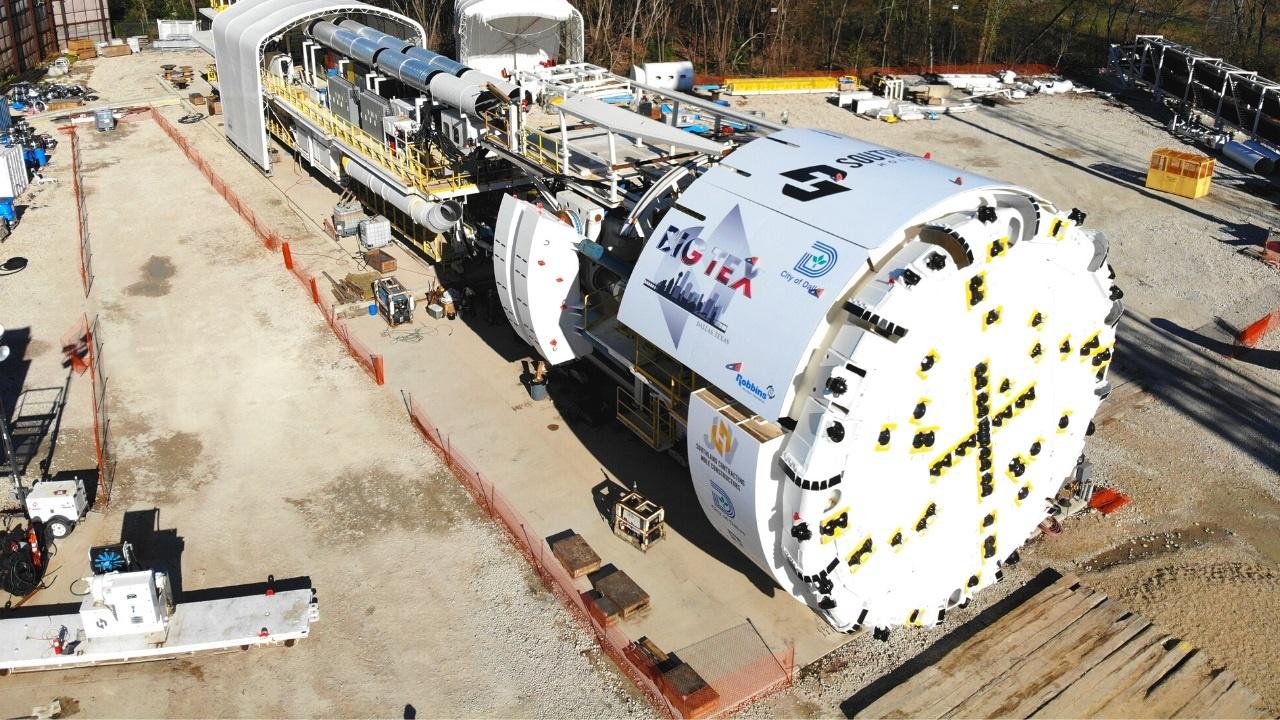 Máy khoan đường hầm khổng lồ trị giá hơn 20 triệu USD