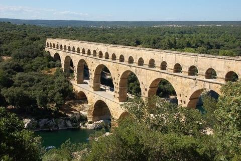 Cầu dẫn nước 3 tầng nghìn năm tuổi ở Pháp