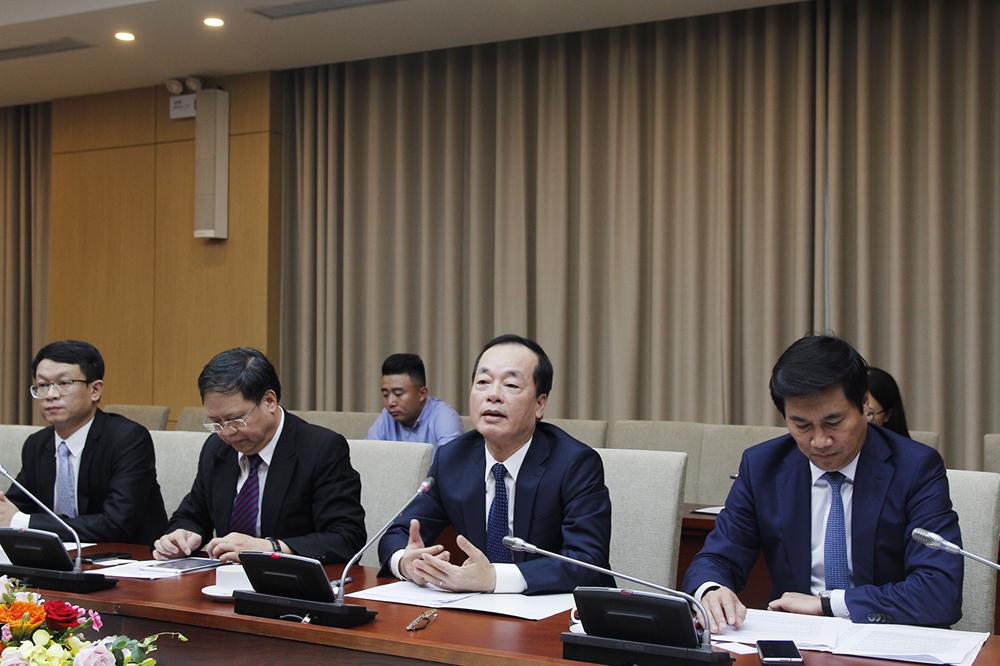 Bộ trưởng Bộ Xây dựng làm việc với Giám đốc quốc gia Ngân hàng thế giới tại Việt Nam