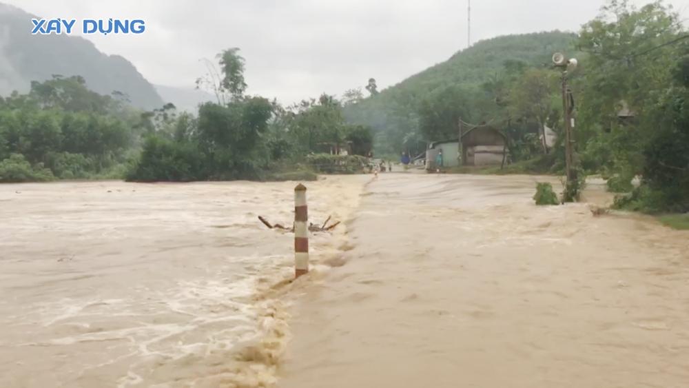 Mưa lớn sau hoàn lưu bão số 9, nhiều địa phương ở Nghệ An bị ngập sâu
