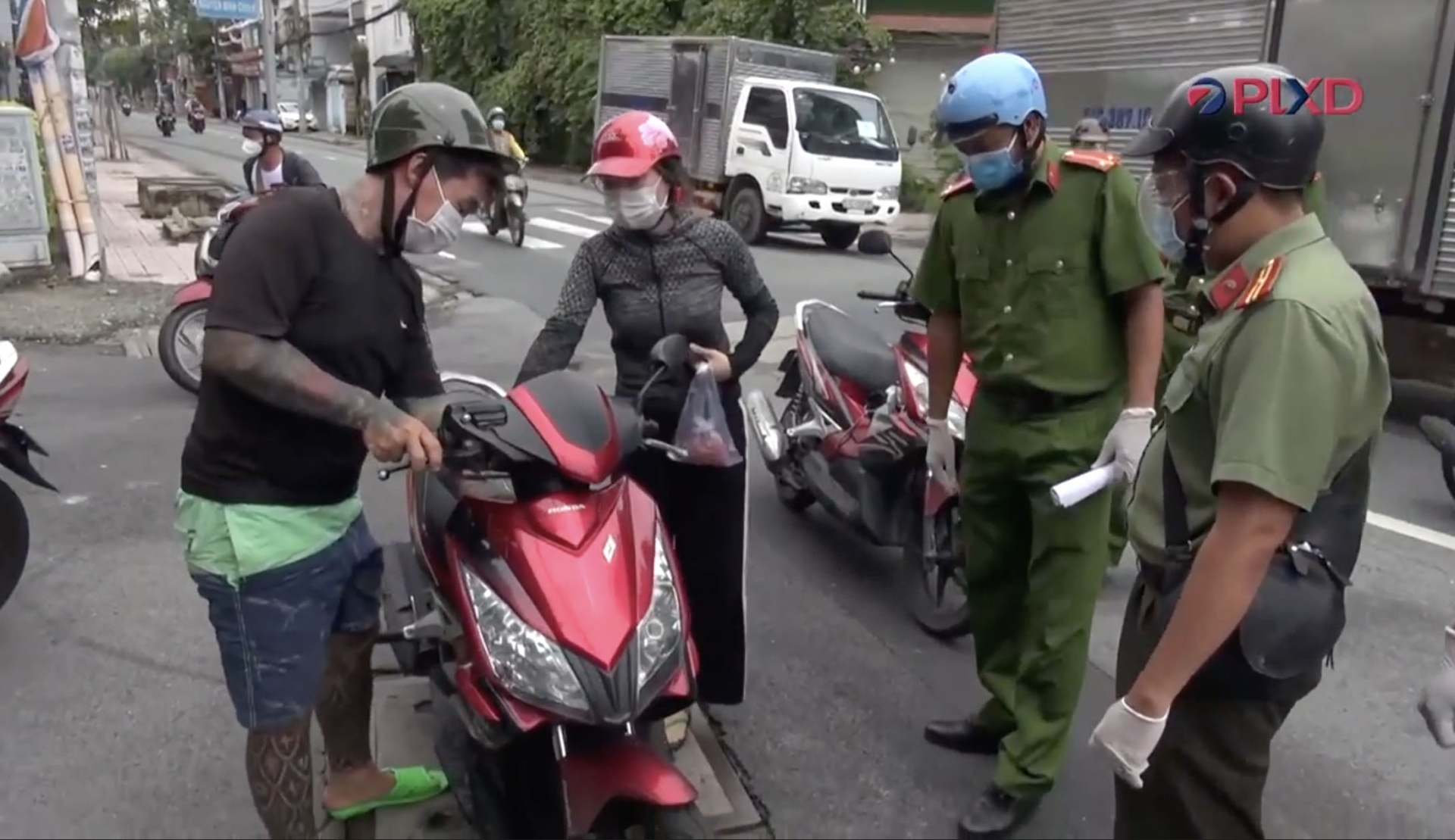 Công an Thành phố Hồ Chí Minh đồng loạt ra quân tuần tra, kiểm soát trong tình hình mới