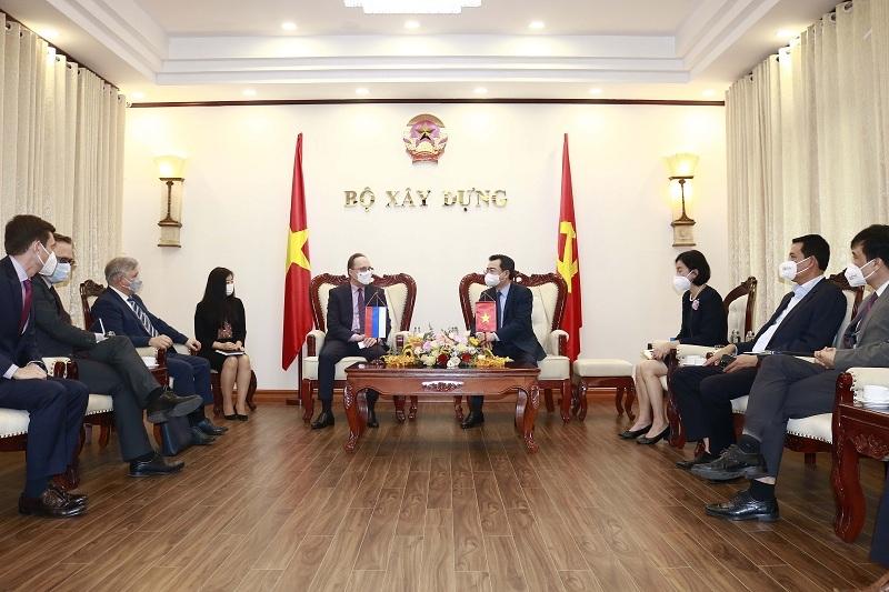 Bộ trưởng Nguyễn Thanh Nghị tiếp Đại sứ đặc mệnh toàn quyền Liên bang Nga tại Việt Nam